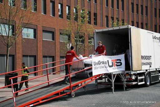 boxmeer verhuizen patienten maasziekenhuis 22-04-2011 (34).JPG