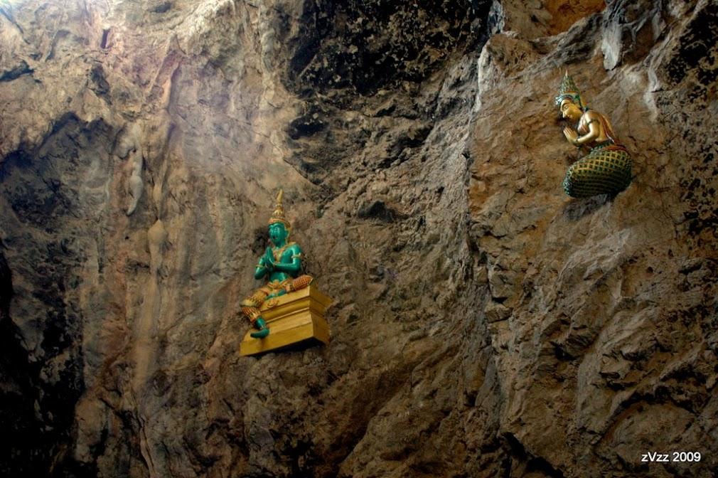 Пещерный храм в провинции Нонг Буа, Канчанабури