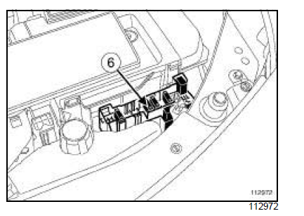 Car Fuse Location on fuse box renault megane 2007