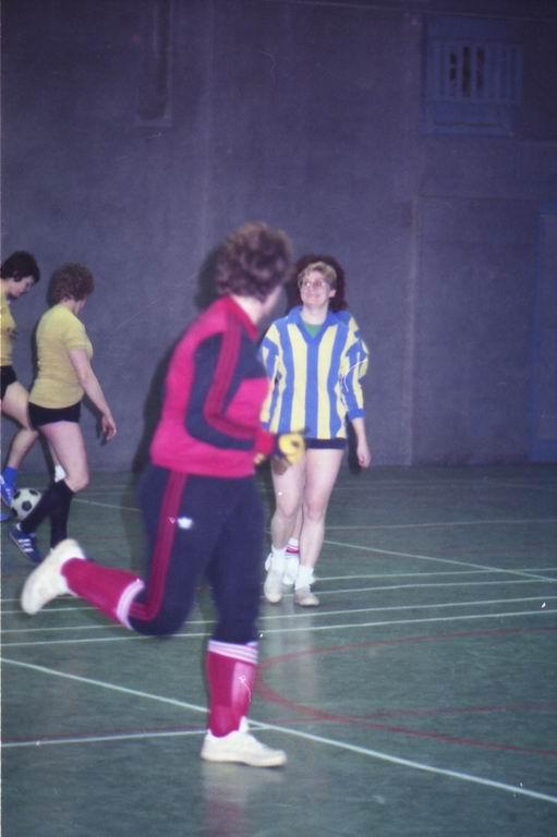 1982 - DMV - MCM Zaalvoetbal 1-22.jpg