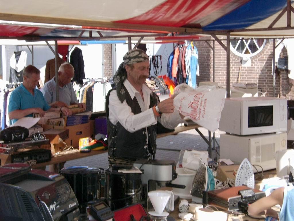 2005 - Rommelmarkt, 26-06 006.jpg