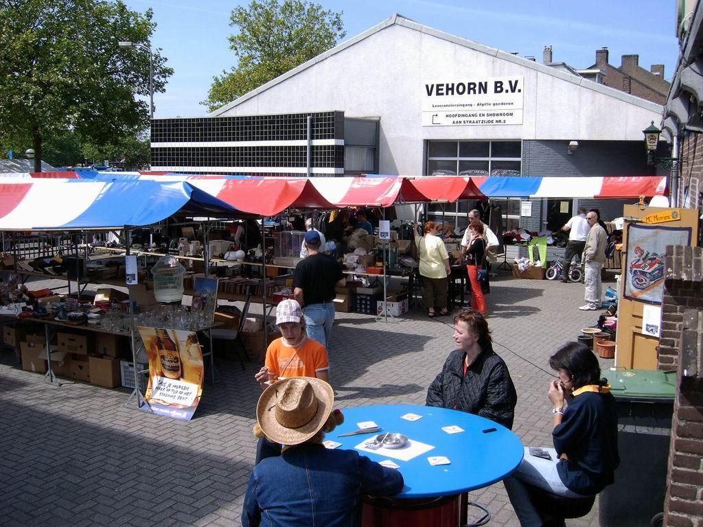 2005 - Rommelmarkt, 26-06 013.jpg