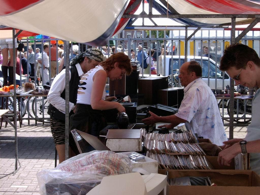 2005 - Rommelmarkt, 26-06 022.jpg