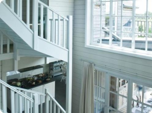 Un-escalier-monumental-sur-deux-etages_carrousel_gallery