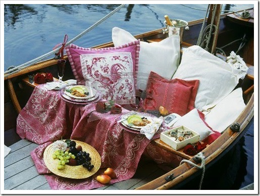 Romantic picnic for two on a boat-276595