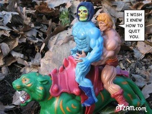 O que acontece quando adultos pegam brinquedos