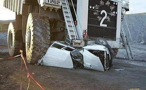 bizarre-traffic-accidents03