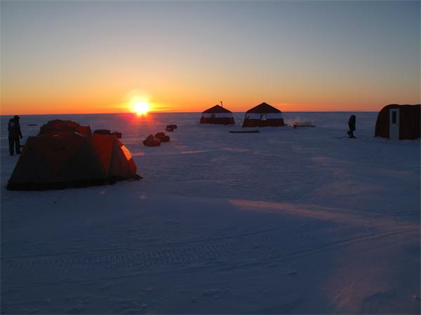 Sunset over the Caitlin Arctic Survey 2010 ice base. Martin Hartley, www.martinhartley.com