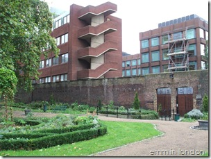 St Georges Churchyard Gardens - Marshalsea Prison 1