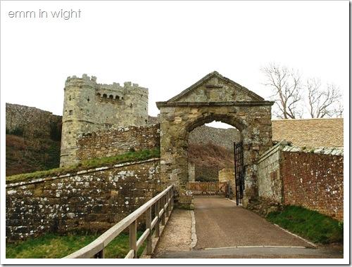 Carisbrooke Castle 01