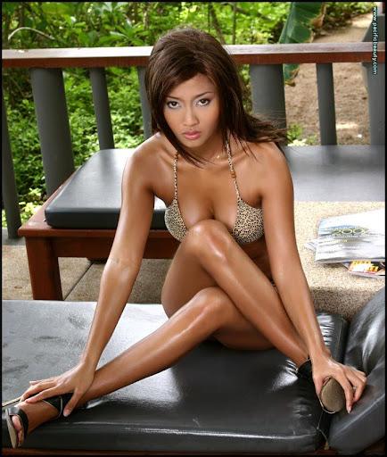 Miranda cosgrove and selena gomez nude