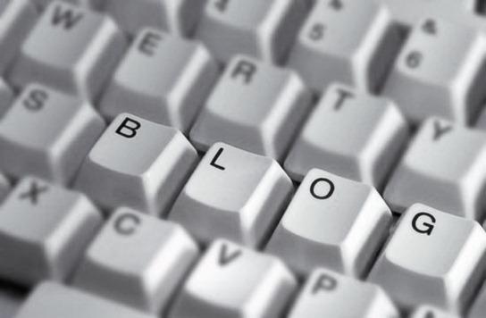 RE_blogging_BW