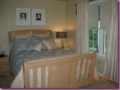 Guest bedroom 006