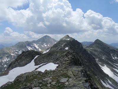 Pic de la Gallina, i al fons el Ventolau