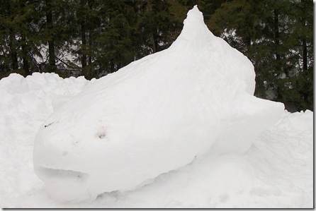 SnowSculptureShark4