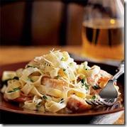 seafood-pasta-fettuccine-alfredo