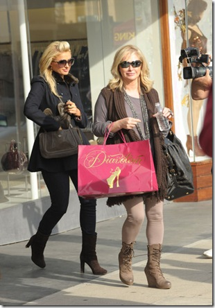 paris-mother-pics123-blogbritneyspears