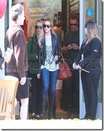 Lindsay Lohan-pics1211-blogbritneyspears4