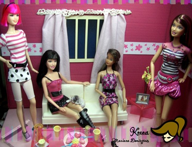 Dolls-in-Pink-Black-and-White2