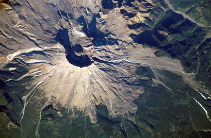 ig21 above mt st helens 02 14 Most Amazing Satellite Pictures You'll Ever Seen Before