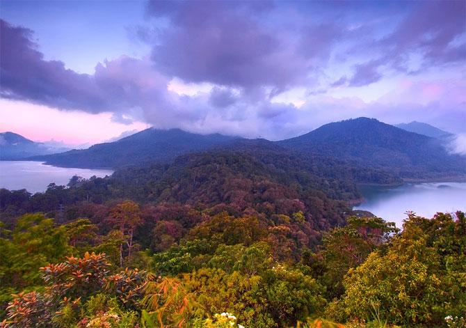 amazing lakes%20%2811%29 Wonderful Lakes Around the World