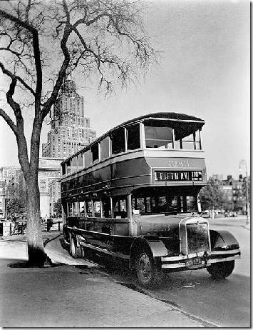 El autobús de la Quinta Avenida en Washington Square