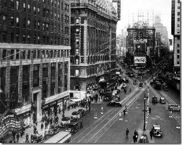 Times Square, 1935. Betty Boop en la marquesina.