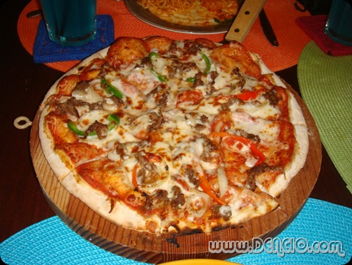 Chi's Steak Pizza: Php330