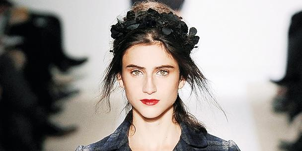 headband hairstyle @ bette's vintage line