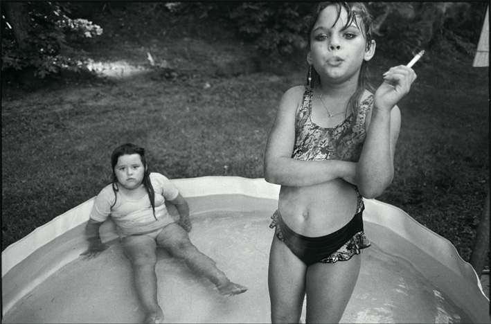 Mary Ellen Mark - Amanda and Her Cousin, Amy Valdese.jpeg