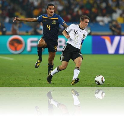 Germany v Australia Group 2010 FIFA World 7e4Eo5Rzxy3l