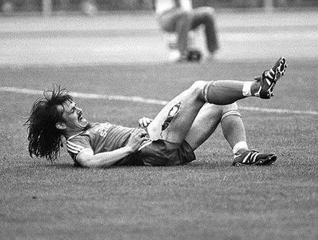 As 14 piores lesões no futebol de todos os tempos