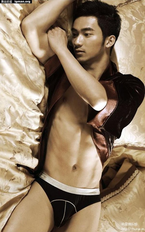 Asian-Males-Handsome Male Model in Luxurious life-1