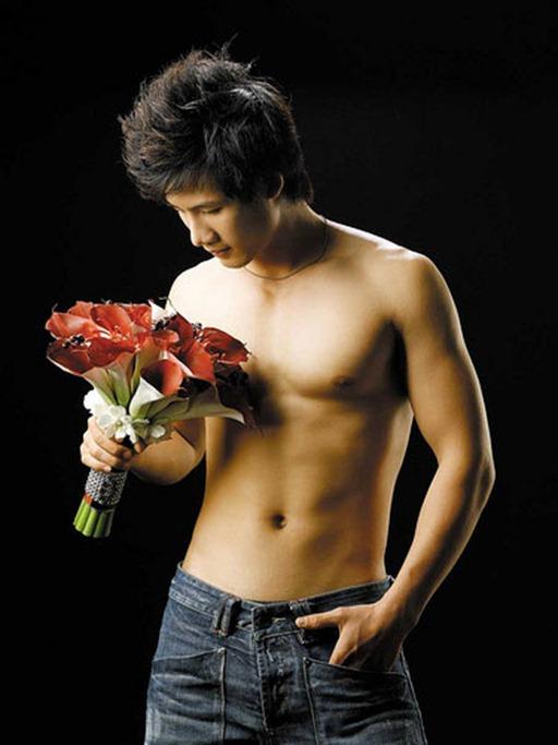 Asian-Males-Vietnamese-Model-Pham-Thanh-Thuc-23