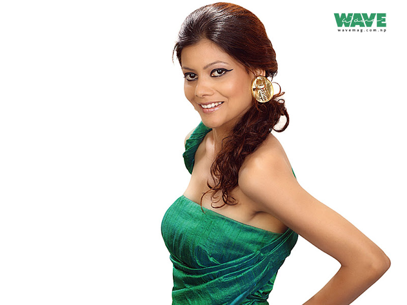 pallavi dhakal green dress