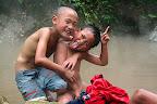 Des enfants, ils aiment l'appareil photo!