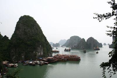 La baie depuis la grotte Hang Sung Sot