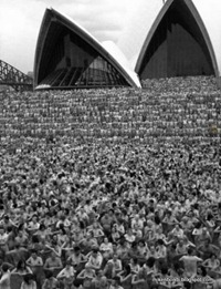 Opera House steps (Mark Sutcliffe)-1