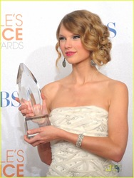 taylor-swift-peoples-choice-2010-01
