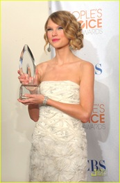 taylor-swift-peoples-choice-2010-16