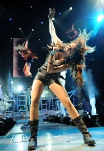 miley-cyrus-staples-center%20(6)