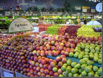 800px-Apples_supermarket