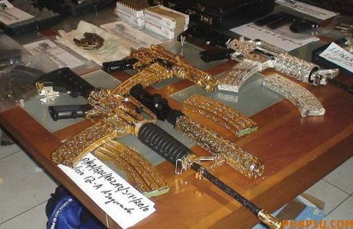 handguns_of_mexican_640_05.jpg