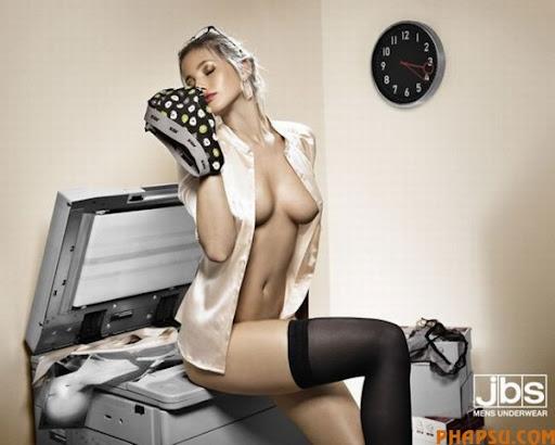 sex_ads_28.jpg