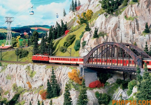 model-train-set-at02.jpg