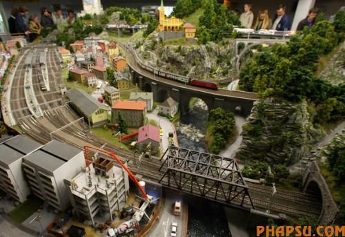 model-train-set-g01-500x343.jpg