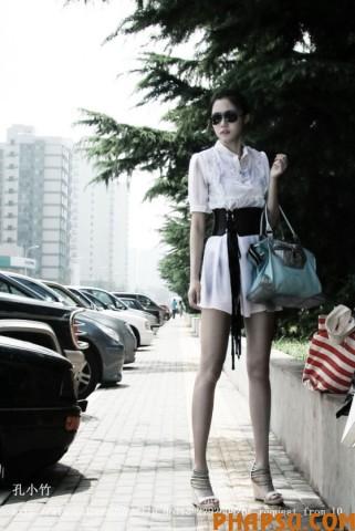 a-kong-yansong-kong-yaozhu-streetside-01-560x837.jpg