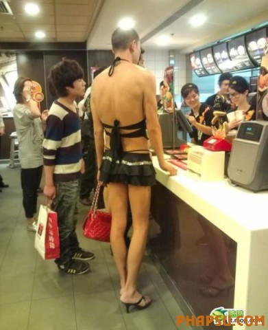 crazy_chinese_fashionmongers_640_07.jpg