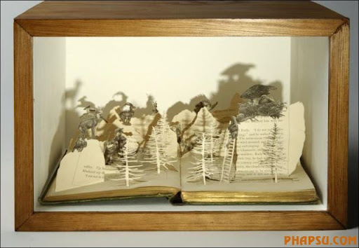 Awesome_Book_Sculptures_4.jpg