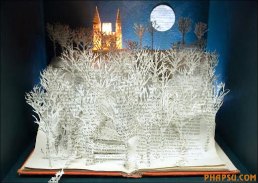 Awesome_Book_Sculptures_31.jpg